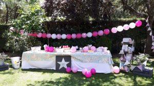 Mesa infantil para celebración familiar