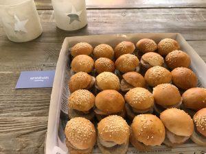 Nuestras mini burger de foie con cebolla