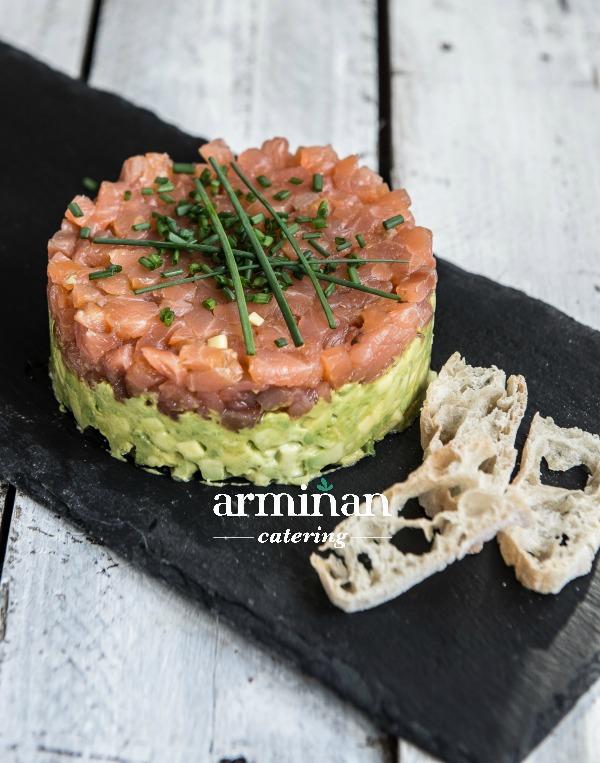 Tartar de salmón - Armiñan Catering